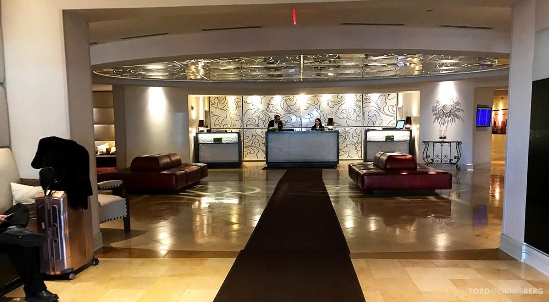 Renaissance Newark Airport Hotel lobby