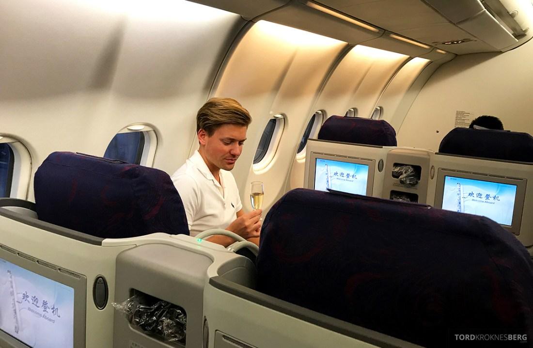Air China Business Class Stockholm Beijing Tord Kroknes Berg drink
