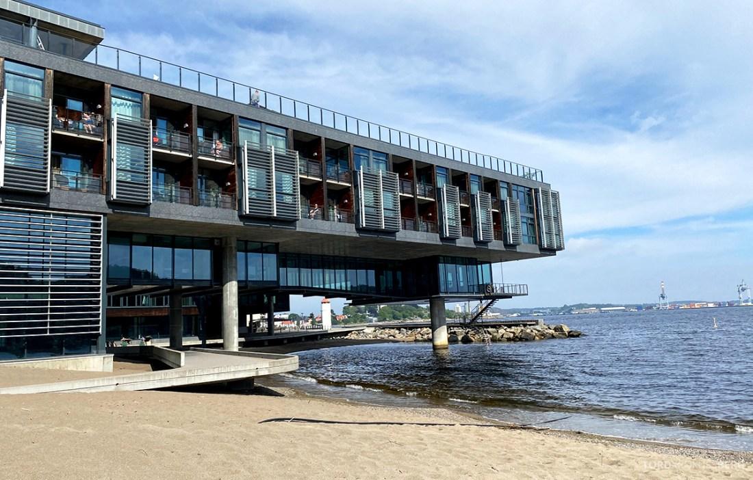 Farris Bad Larvik fra strand
