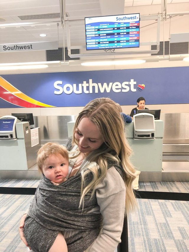 5 Tips for Flying with Kids +Giveaway
