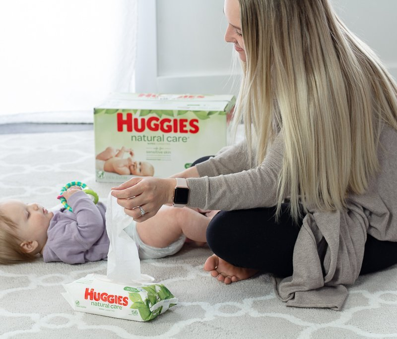 16 Ways To Use Baby Wipes Besides Diaper Changes