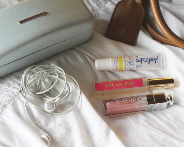 6-30-16 whats in my bag 3