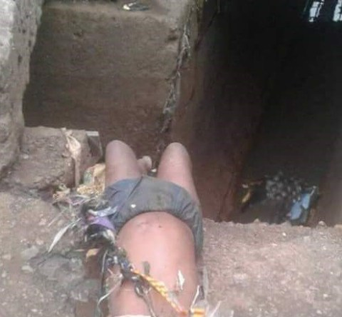 Unknown Child Found Dead Along The Road After Heavy Rainfall In Onitsha (Graphic Photos)