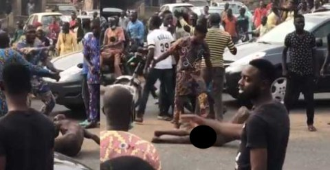 Suspected Kidnapper Stripped, Beaten And Paraded By Angry Mob (Photos) 1