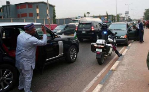 Drama As Governor Ambode Arrests Soldier For Driving Against Traffic (Photos) 3