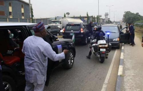 Drama As Governor Ambode Arrests Soldier For Driving Against Traffic (Photos) 2