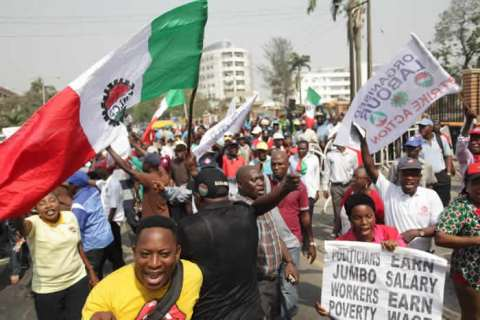 NLC Protests In Lagos Over New Minimum Wage (Photos) 1