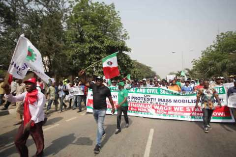 NLC Protests In Lagos Over New Minimum Wage (Photos) 3