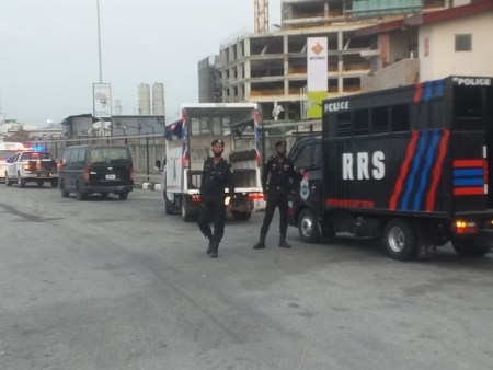 #Lekkitollgate: Heavily Armed Policemen Take Over Lekki Toll Gate As Groups Mobilise For Protests Today (Photos)