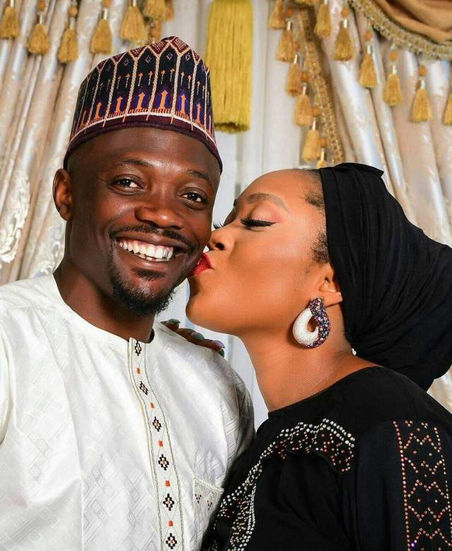 Musa's controversial photo of him kissing his wife