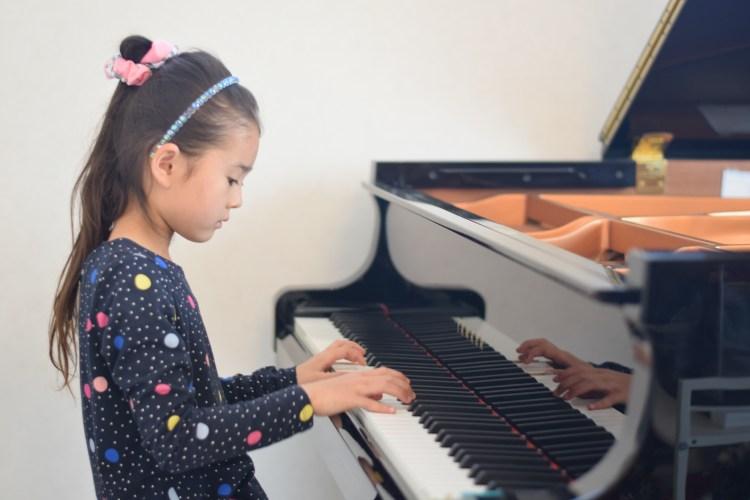 お子さまピアノレッスン