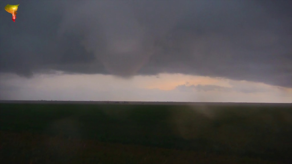 April 22, 2010 Storm Chase | Stuck between two tornadoes in Jericho (Anthology Series)