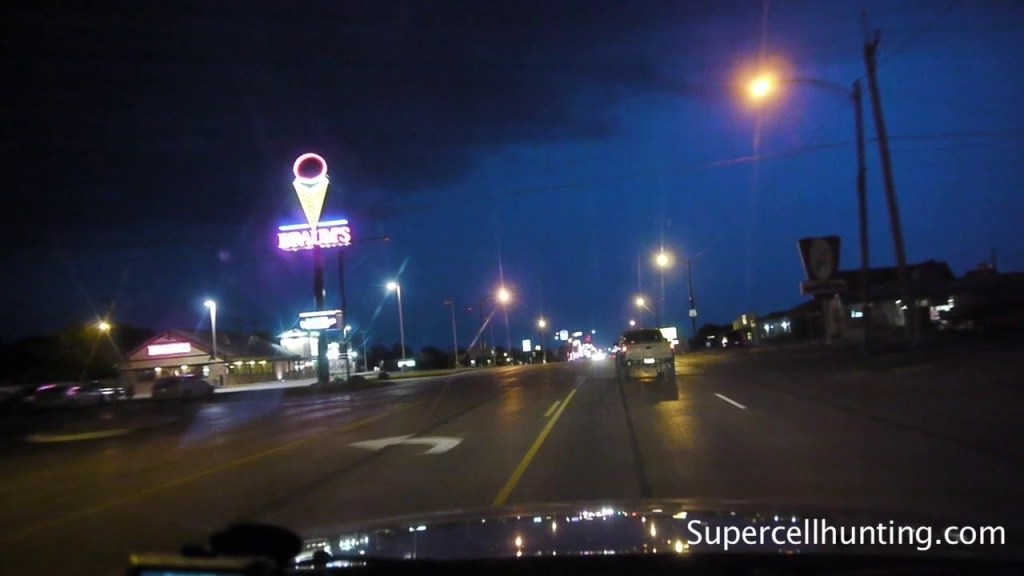 May 12, 2010 Storm Chase  | Leisurely Drive Through Weatherford, OK with Tornado Sirens Blaring