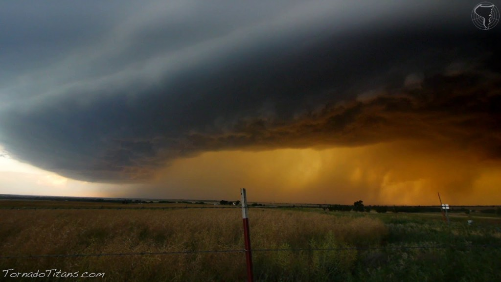 May 19, 2012 Storm Chase | Beautiful Supercell Marching Towards the Camera