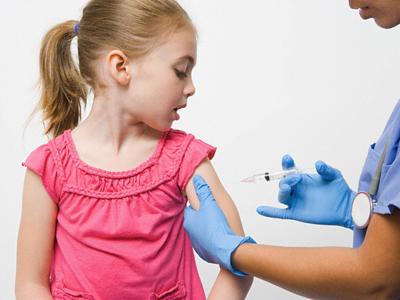 Desde Octubre aplicarán un refuerzo de vacunas de Sarampión y Rubeola