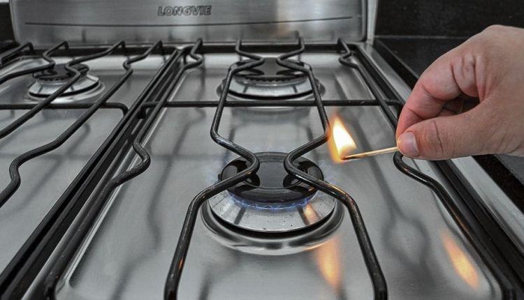 Gas – Macri autorizó a las empresas a cobrar un «extra» por la suba del dólar
