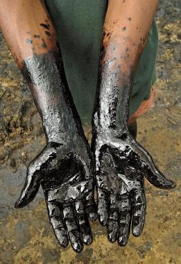 """Por un derrame de petróleo, Neuquén podría aplicar a YPF la multa """"más grande en la historia"""""""