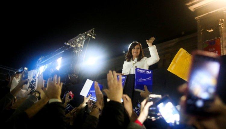 Cristina Kirchner pidió «un contrato social de ciudadanía responsable» para salir de la crisis