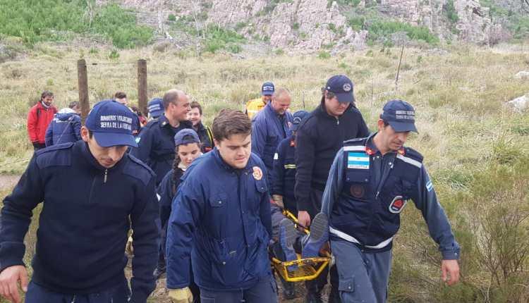 Cerro Ventana – Los Bomberos intervinieron en un descenso en camilla