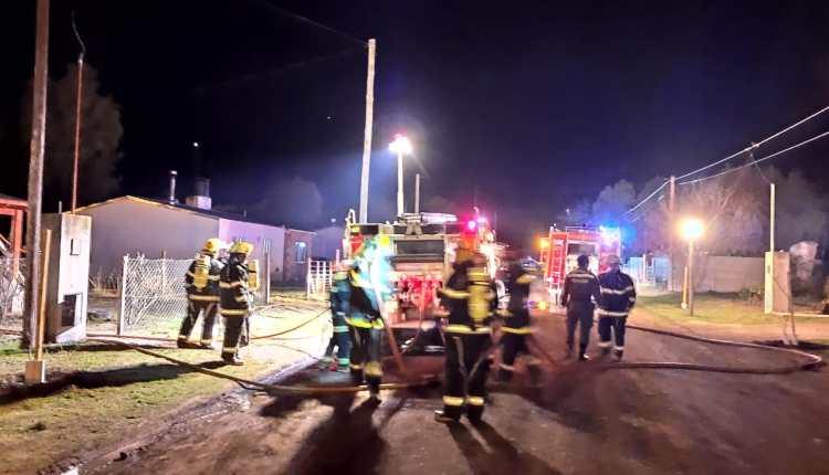 Villa Arcadia – Los Bomberos Voluntarios sofocaron un principio de incendio en una vivienda