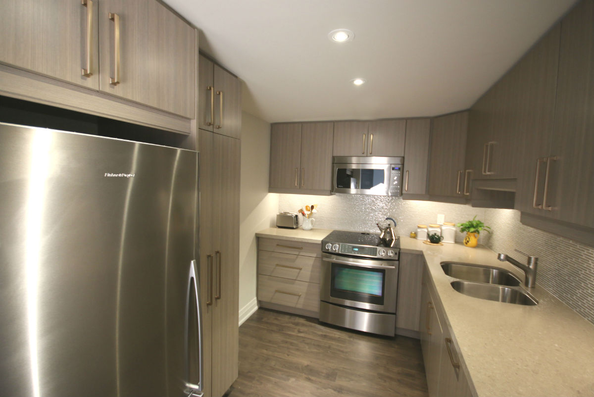 Toronto Contemporary Kitchen  Toronto Custom Concepts