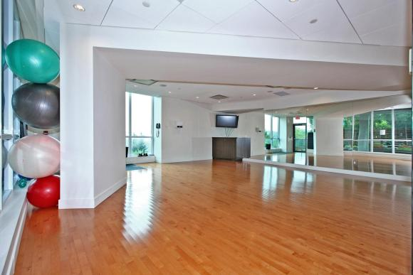 1048 Broadview Ave 503 Toronto-large-025-21-Building Exercise Room-1500x1000-72dpi