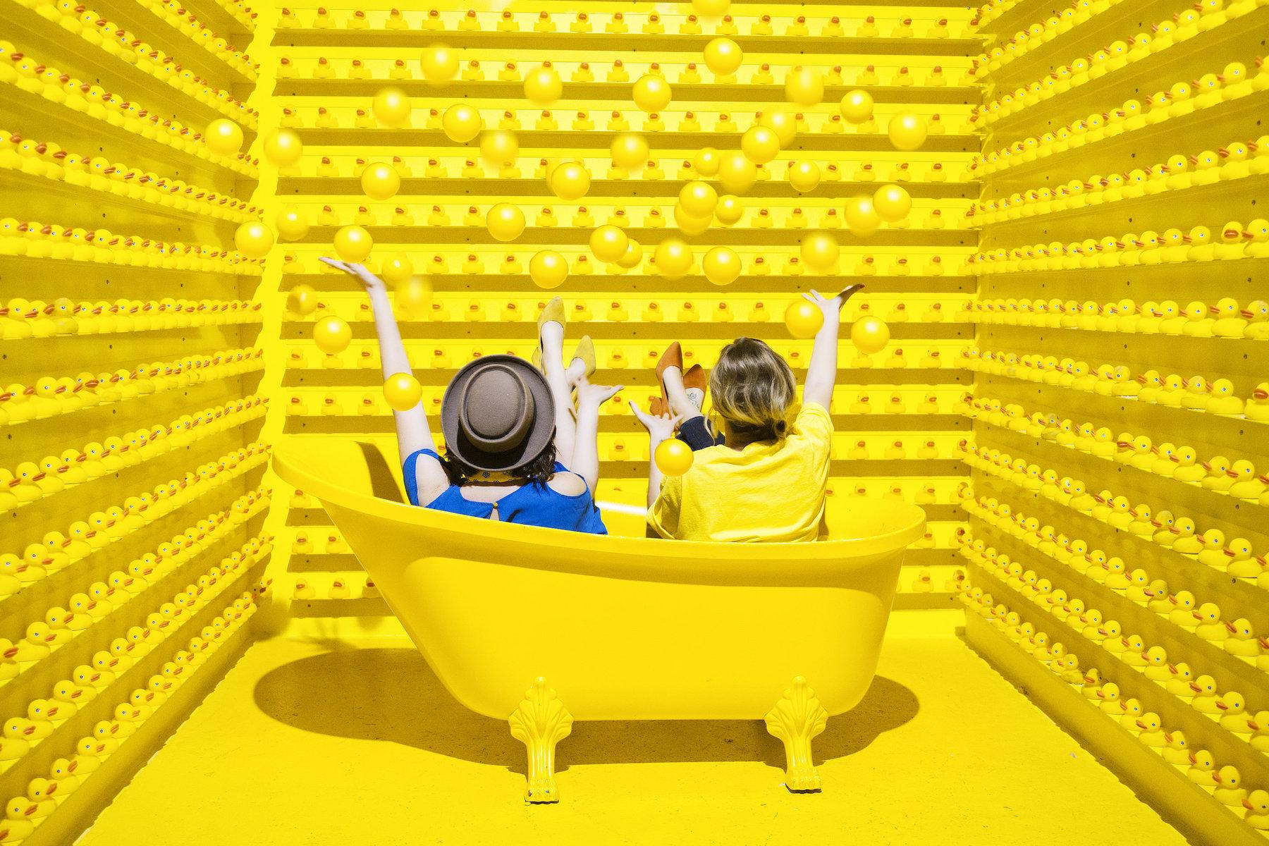 【真.開心樂園】Happy Place玩味展覽 多倫多限時喪玩喪拍攝樂園 - Toronto What's UP