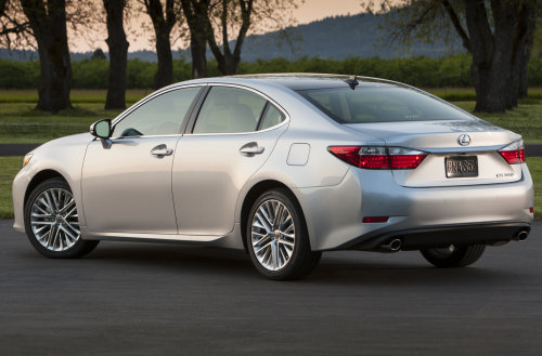 The Back End Of The 2013 Lexus ES350 Torque News