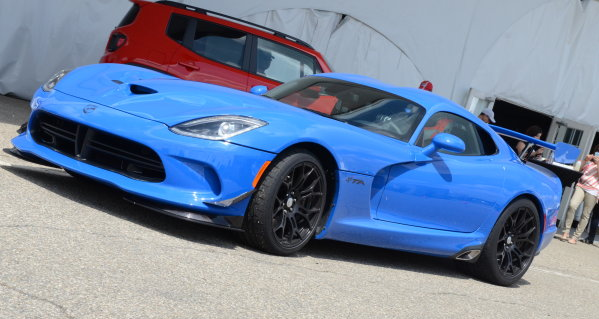 The 2015 Dodge Viper Gets New Colors New Aero And A New Trimline