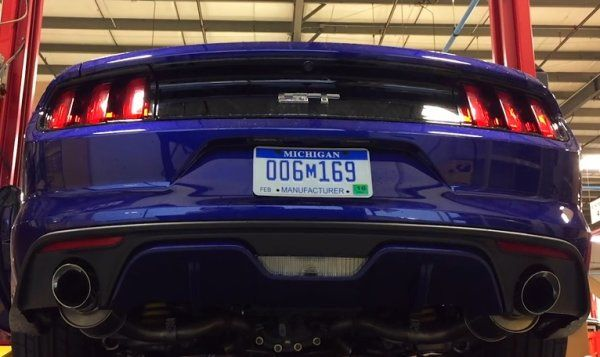 listen to the 2015 ford mustang gt roar