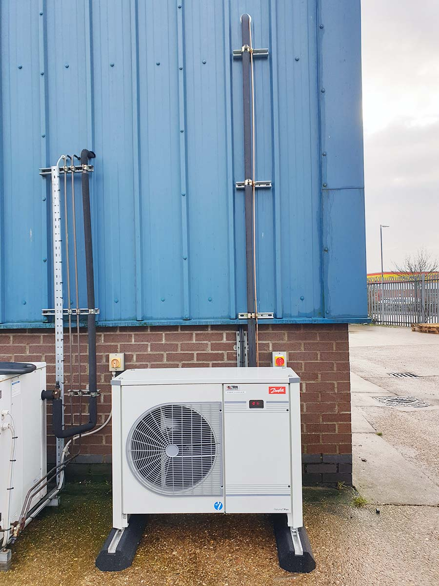Cold Room condensing unit exterior pipe work
