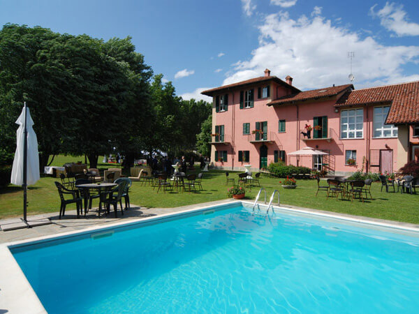 Bed  Breakfast con piscina  Fossano