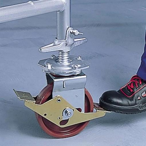 Rueda regulable en altura para andamio de aluminio