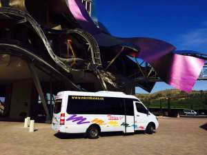 noleggio di minibus in posti 16 senza conducente madrid