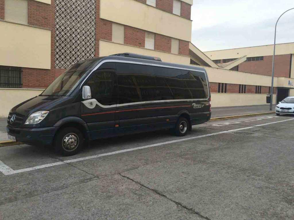 Buget ieftin de închiriere de autobuze aeroport madrid, stație atocha, nunți, comuniuni, spectacole, servicii