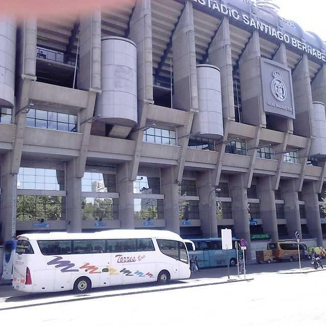 Cuánto cuesta alquilar un autobús de 50 plazas en Madrid - España