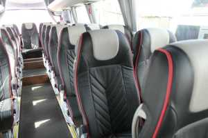 alquiler minibus con asientos comodos para viaje largo