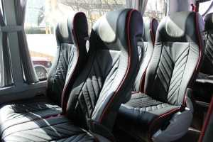 fiesta en madrid despedida de soltero de soltera autobuses con mesas minibuses con mesas