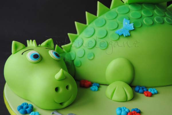 3d drachen torte 3 kindergeburtstag torteneleganz. Black Bedroom Furniture Sets. Home Design Ideas