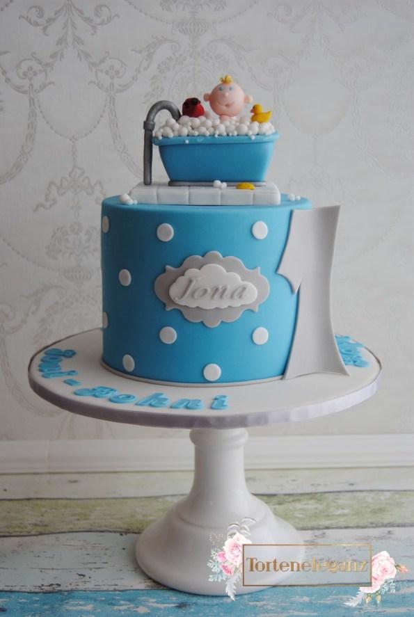 Jona 1 Geburtstag Baby badet im Schaumbad Titel