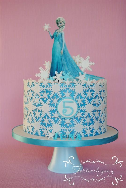 Elsa die Eisknigin Torte Fondant mit Wafer Paper
