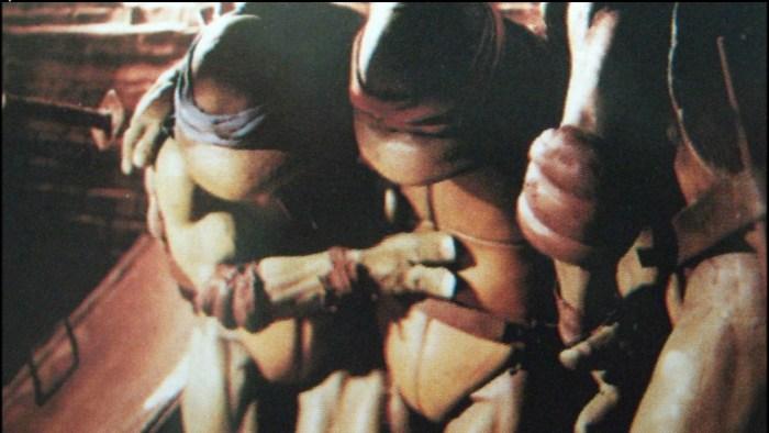 Film Tortues Ninja TMNT 1990 Scène coupée April appartement Leonardo Raphael