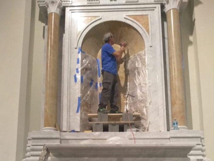 Foto Emanuele Barsanti al lavoro Basilica Panama 2