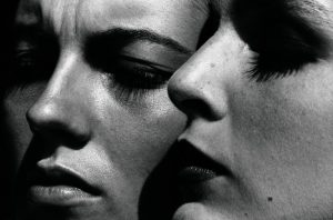 Rushmore-Italian-Vogue-1982-C-Helmut-Newton-Foundation-Berlin