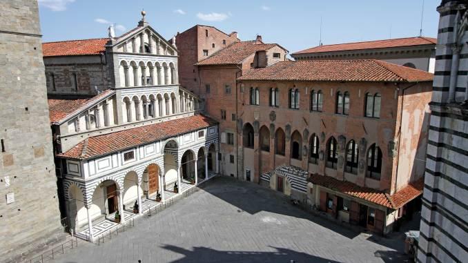 Pistoia: la Cattedrale di San Zeno e il Palazzo dei Vescovi