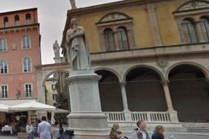 Dante Alighieri, Piazza dei Signori Verona