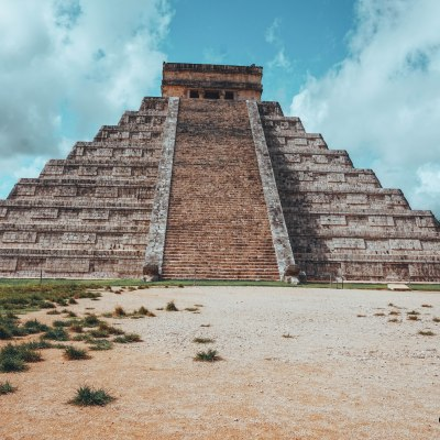 Exploring the Mayan Ruins of Chichen Itza