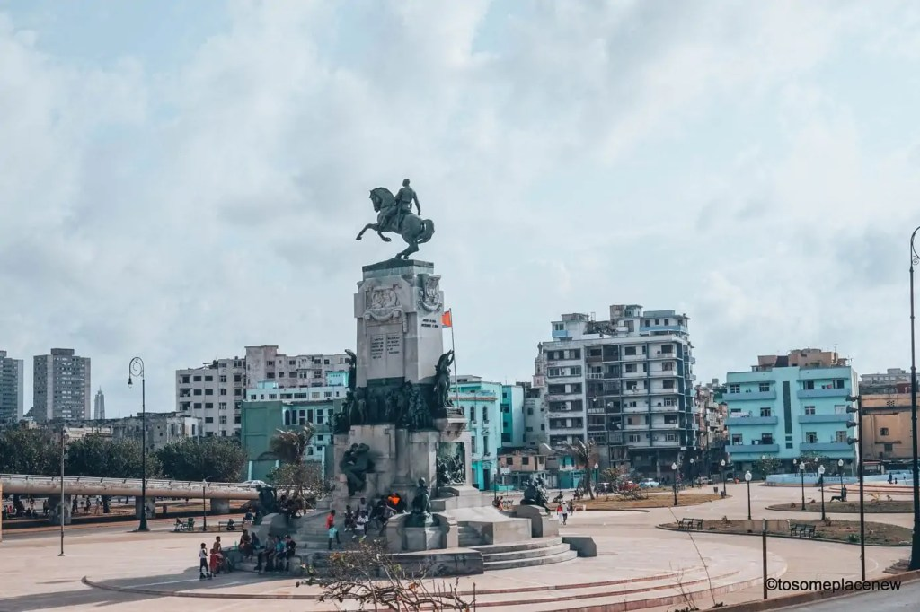 Monuments by Malecon. 45 Beautiful pictures of Havana Cuba. Every street in Havana tells an interesting story. Include these stunning spots to your Cuba travel itinerary.
