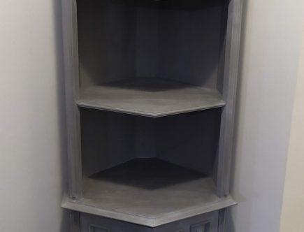 esquinero gris castellano