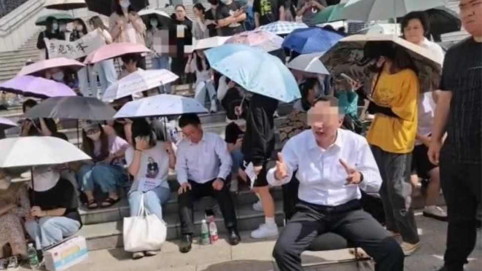 Students Hold Principal Hostage in Rare Protest in China